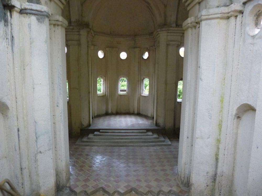 Bild 8. Die Bodengestaltung im Innern