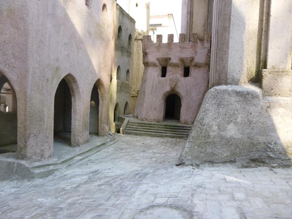 Bild 15. Was von dem ersten Turm geblieben ist