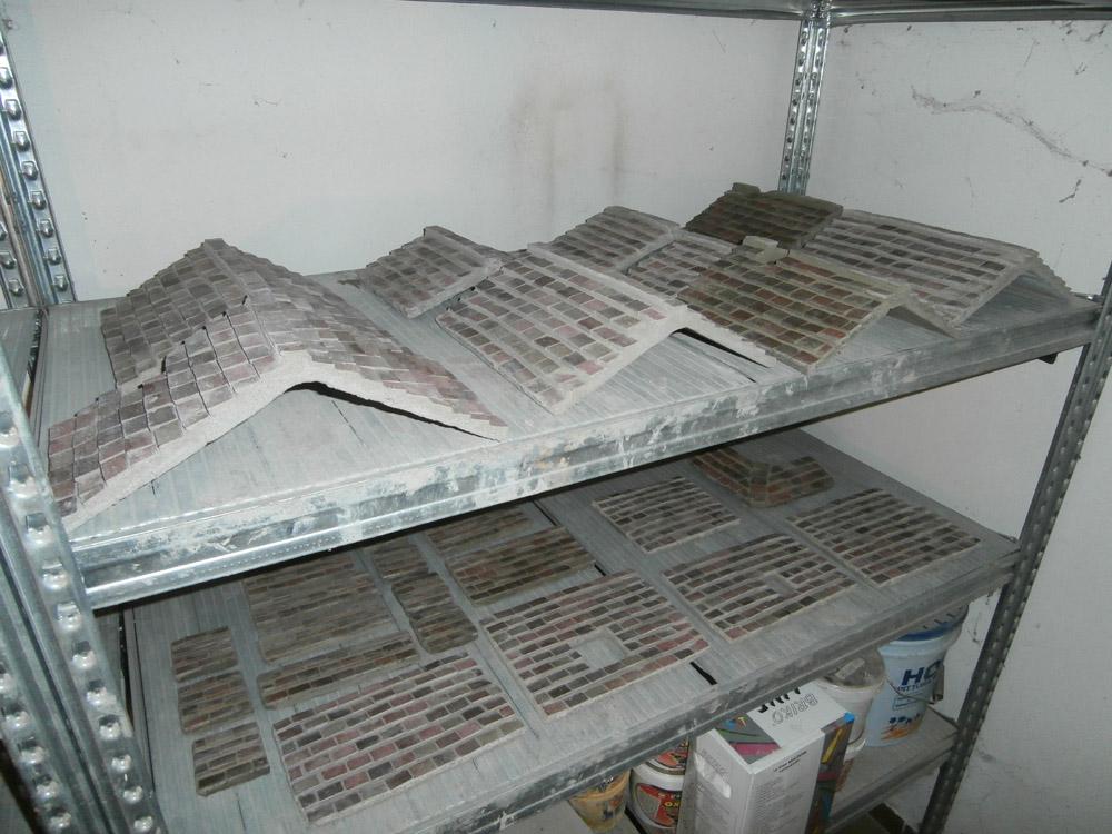 Bild 13. Die Dächer vor der Montage
