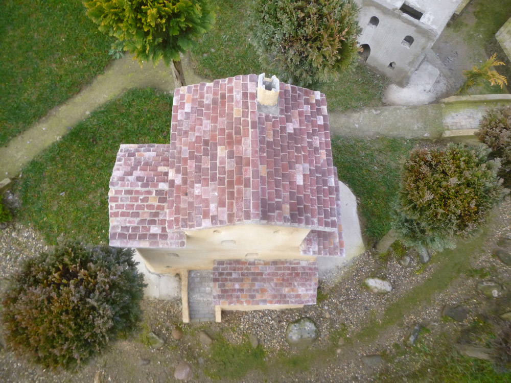Figure 12. A roof made with colored tiles