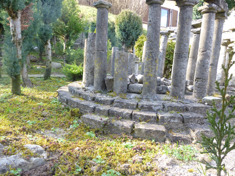 Figure 5. The ruins of the tholos