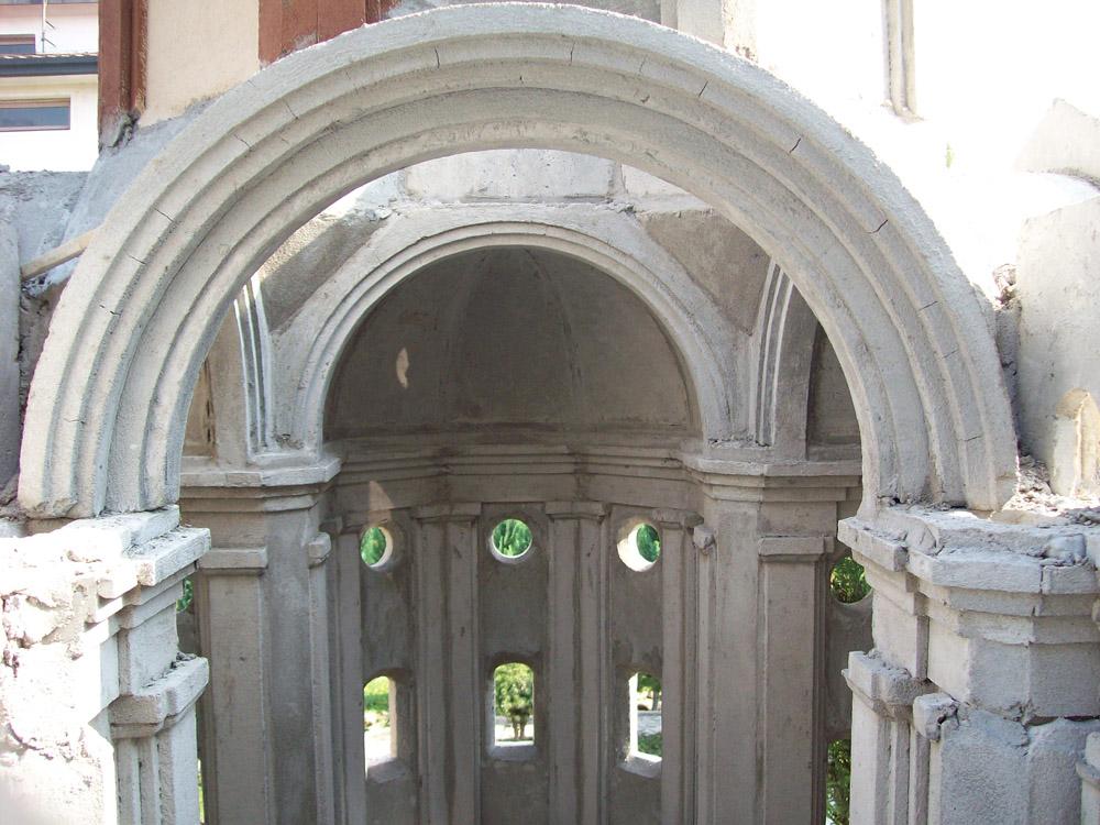Figura 2. Posa della struttura portante della cupola