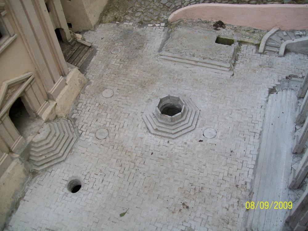 Figura 17. La nuova pavimentazione della piazza principale