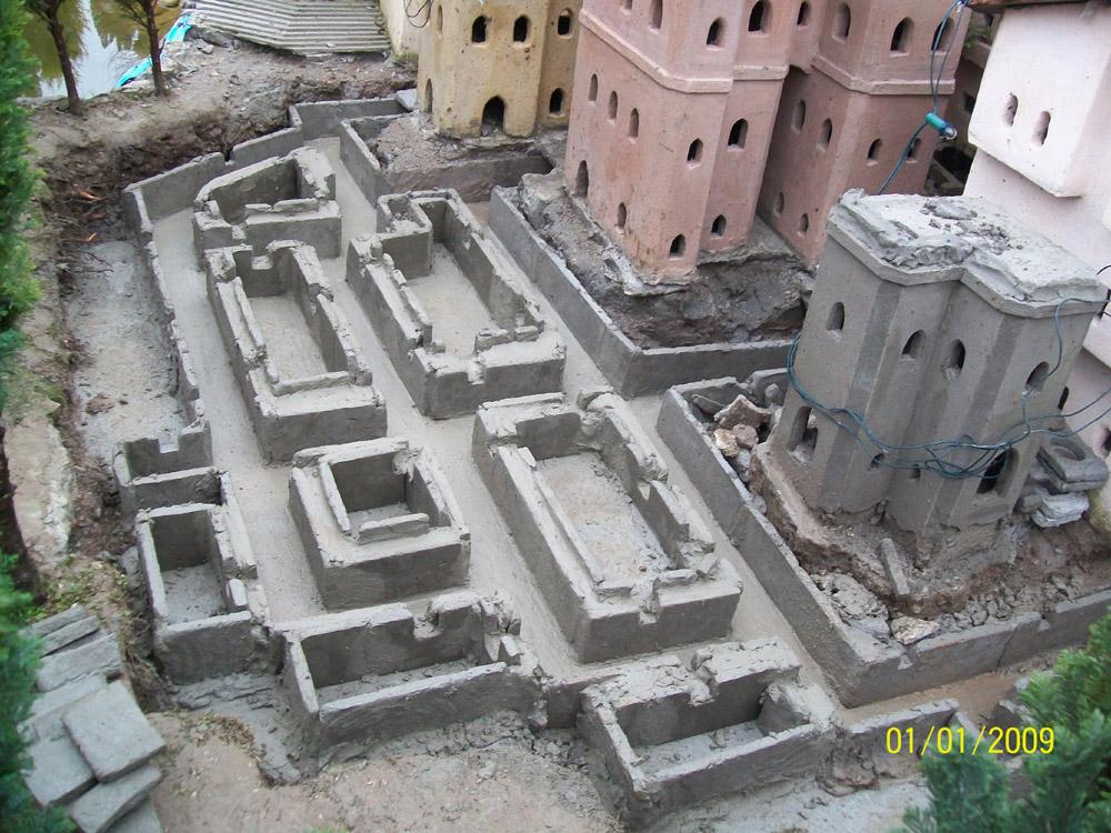 Figura 3. Le fondazioni di un nuovo quartiere, con la rete fognaria